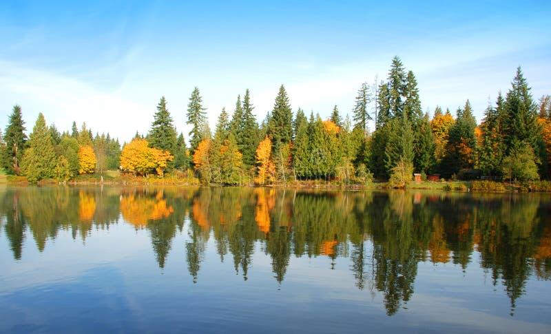 ήρεμη ημέρα φθινοπώρου στοκ εικόνες