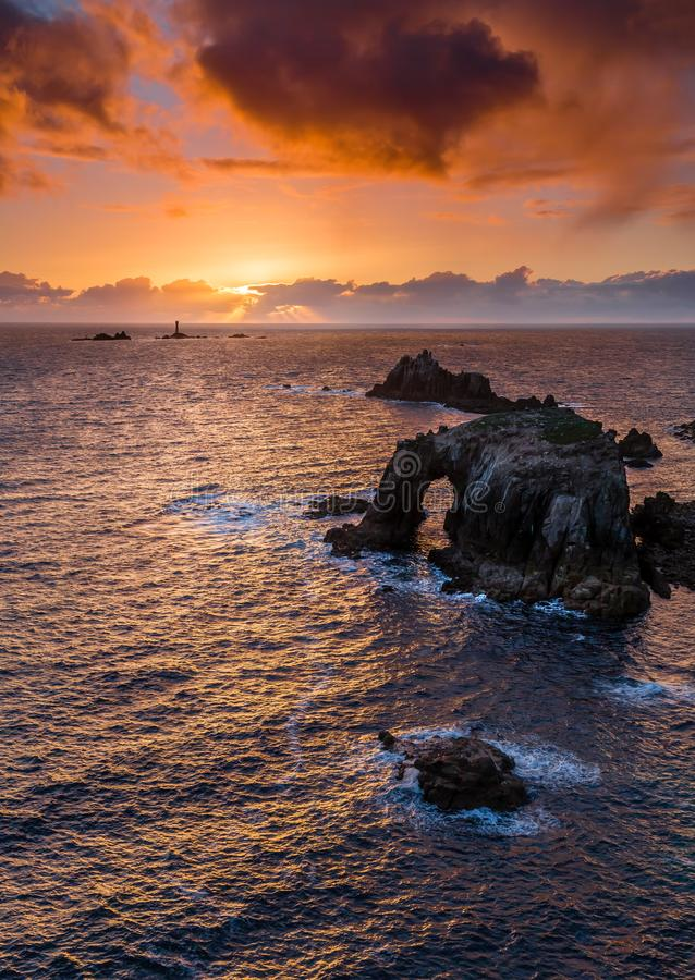 Ήρεμο ηλιοβασίλεμα, τέλος εδαφών, Κορνουάλλη στοκ εικόνα με δικαίωμα ελεύθερης χρήσης