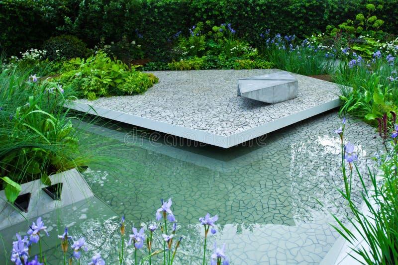 Ήρεμο τοπίο κήπων στοκ εικόνα με δικαίωμα ελεύθερης χρήσης