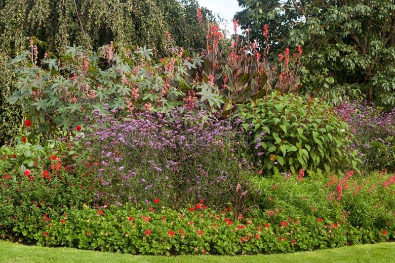 Ήρεμο τοπίο κήπων στοκ εικόνα