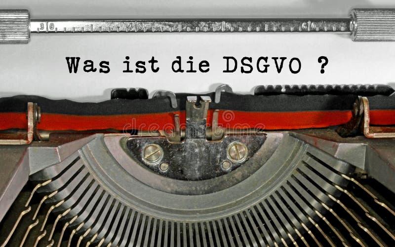 Ήταν ist κείμενο κύβων DSGVO στα γερμανικά που σημαίνουν ποιο είναι το GDPR GEN στοκ εικόνες