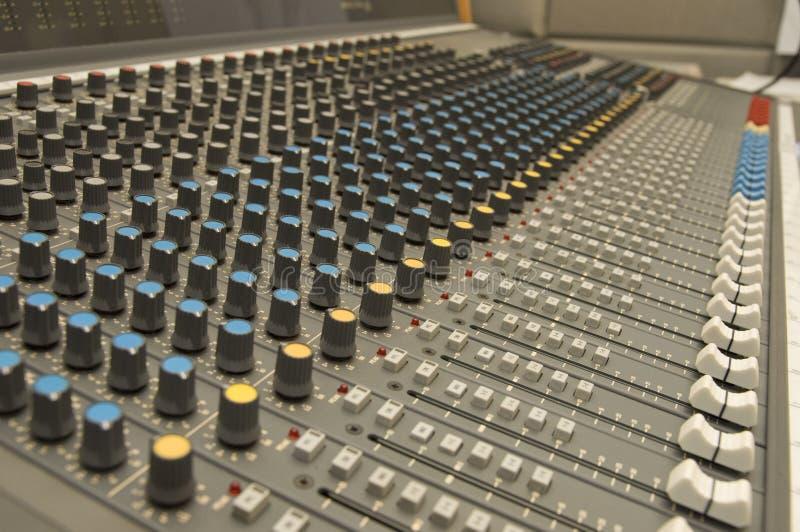 ήχος μουσικής αναμικτών στοκ φωτογραφίες