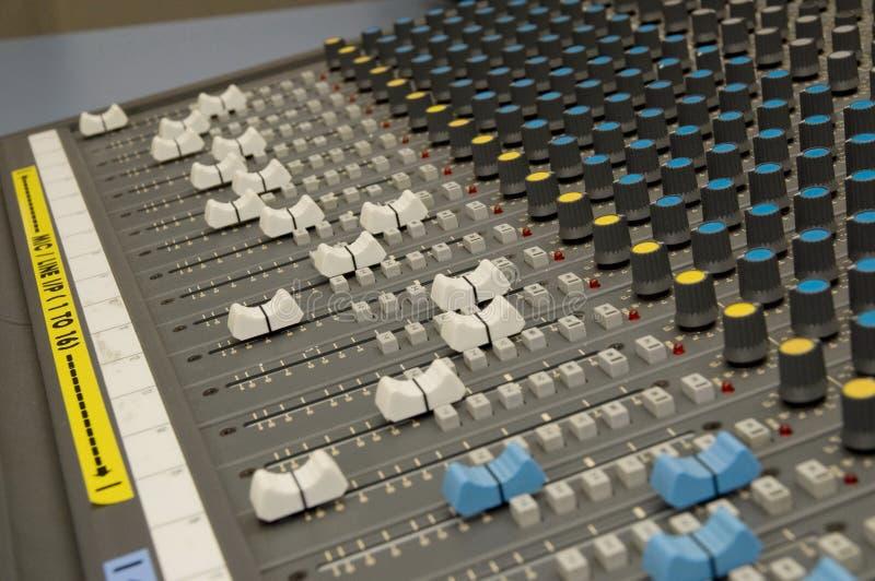 ήχος μουσικής αναμικτών στοκ εικόνες