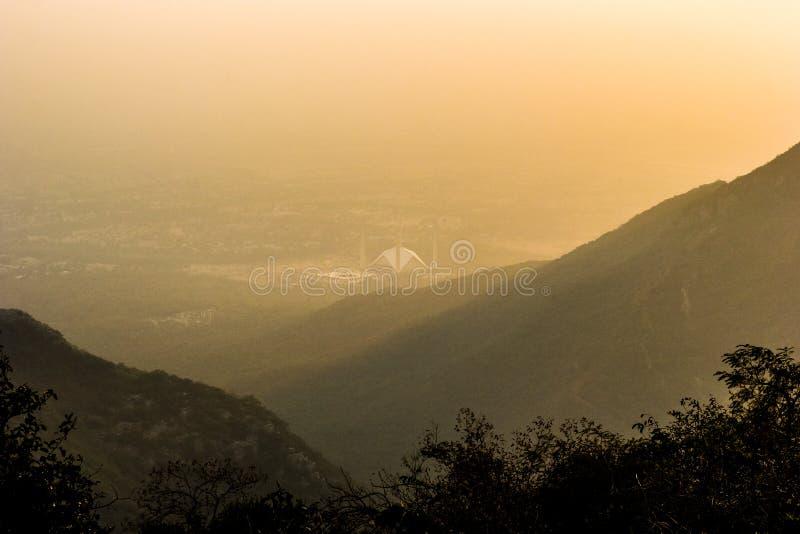 Ήλιος αύξησης στο Ισλαμαμπάντ στοκ φωτογραφία με δικαίωμα ελεύθερης χρήσης