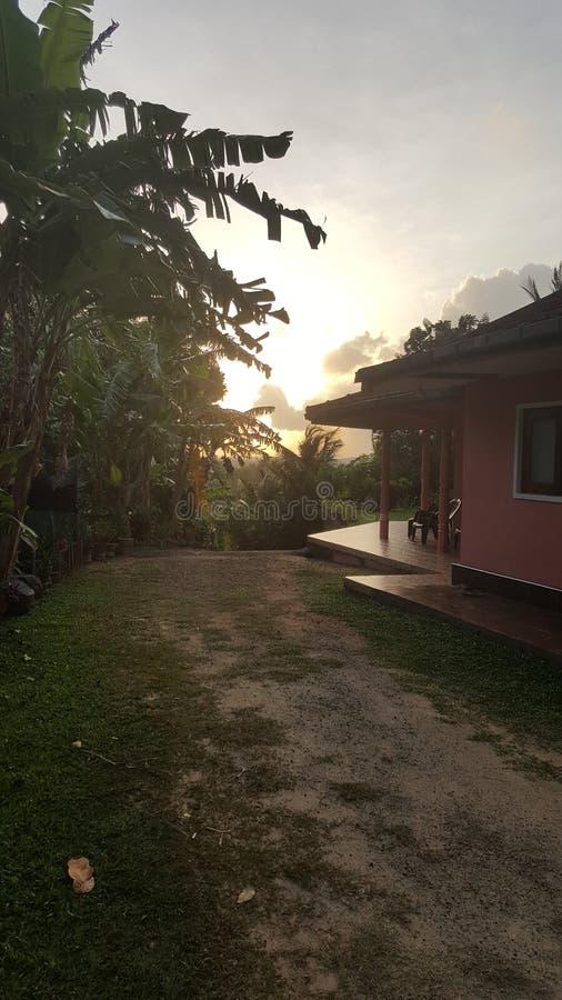 Ήλιος που τίθεται στη Σρι Λάνκα στοκ φωτογραφία με δικαίωμα ελεύθερης χρήσης