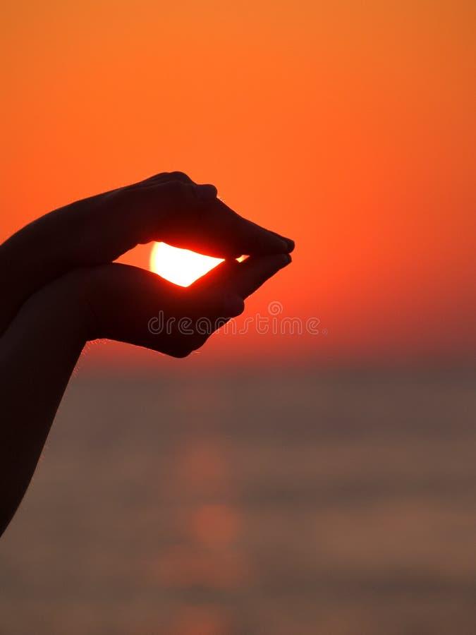 Ήλιος στα χέρια μου στοκ εικόνες με δικαίωμα ελεύθερης χρήσης