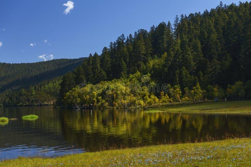 λίμνη Λα shangri στοκ εικόνες με δικαίωμα ελεύθερης χρήσης