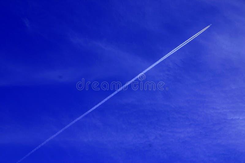 ίχνη αεροσκαφών Στοκ φωτογραφία με δικαίωμα ελεύθερης χρήσης