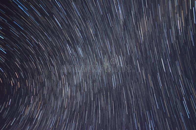 Ίχνη αστεριών και γαλακτώδης τρόπος από Mauna Kea, Χαβάη στοκ φωτογραφία