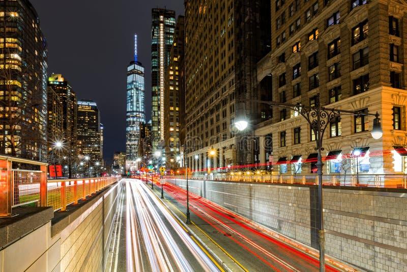 Ίχνη κυκλοφορίας στη στο κέντρο της πόλης πόλη της Νέας Υόρκης στοκ φωτογραφία με δικαίωμα ελεύθερης χρήσης