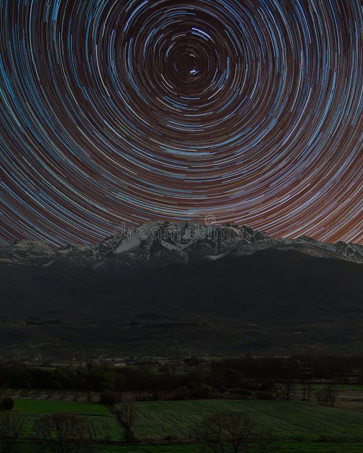Ίχνος αστεριών στο χιόνι στοκ εικόνες με δικαίωμα ελεύθερης χρήσης