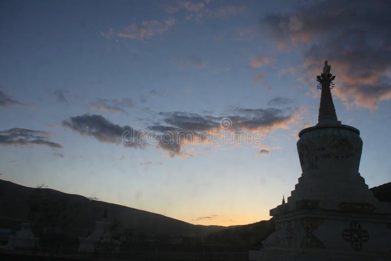 Ίδρυμα θιβετιανού βουδισμού στην Κίνα στοκ εικόνα