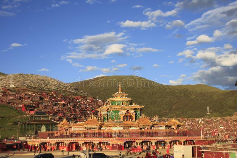 Ίδρυμα θιβετιανού βουδισμού στην Κίνα στοκ φωτογραφία