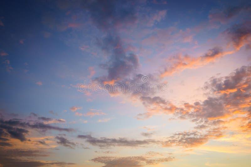 αέρας ηλιοβασιλέματος θύελλας αφαίρεσης στοκ εικόνες