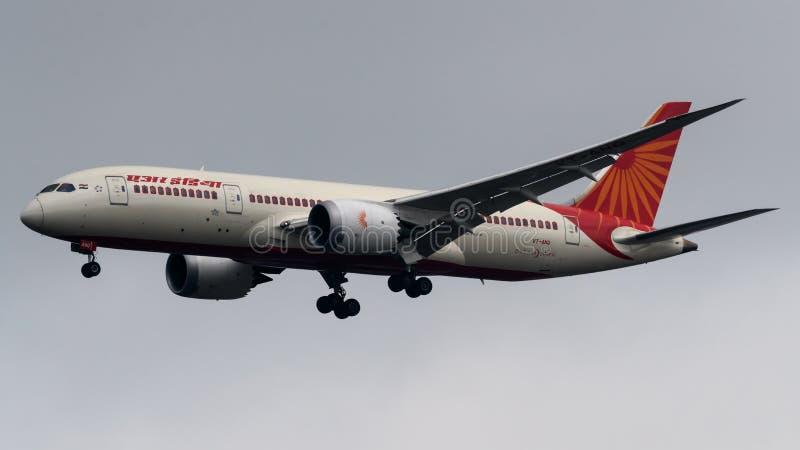 Αέρας Ινδία Boeing 787 προσγείωση προσγείωσης Dreamliner στοκ φωτογραφίες