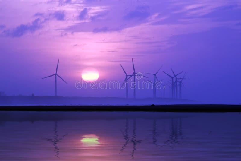 αέρας στροβίλων ηλιοβασ στοκ φωτογραφία με δικαίωμα ελεύθερης χρήσης