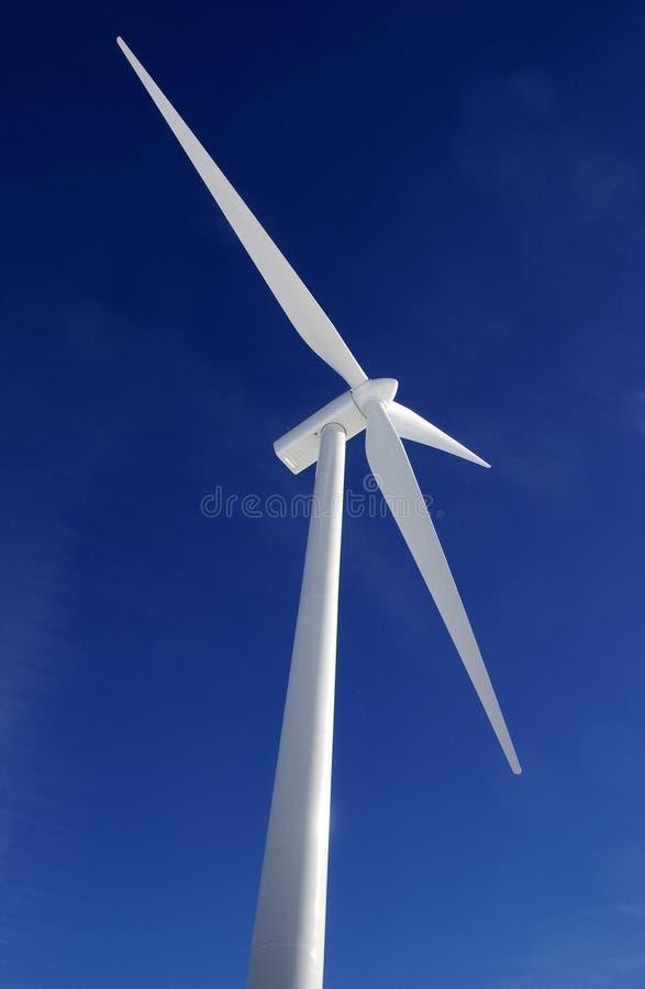 Download αέρας στροβίλων στοκ εικόνα. εικόνα από ενέργεια, watt - 13177675