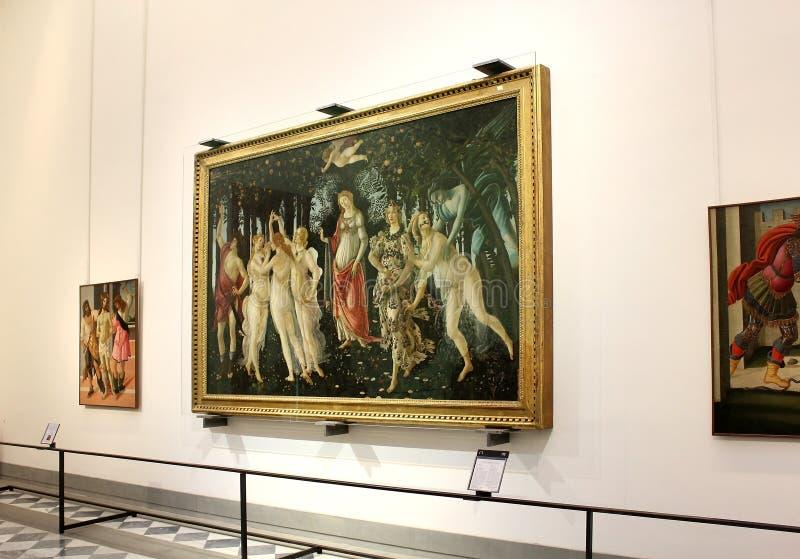 Αίθουσα με τα έργα ζωγραφικής από Botticelli, Uffizi Gallery, Φλωρεντία στοκ φωτογραφίες