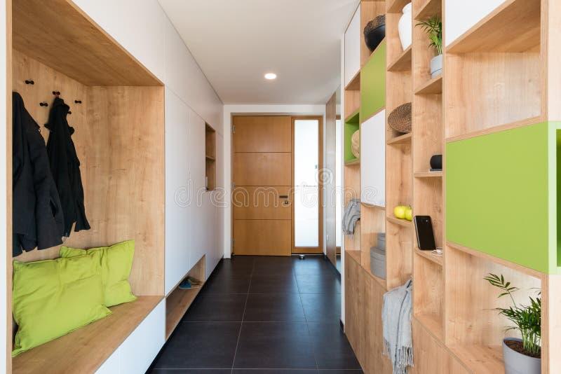 Αίθουσα του σύγχρονου σπιτιού στοκ εικόνες με δικαίωμα ελεύθερης χρήσης