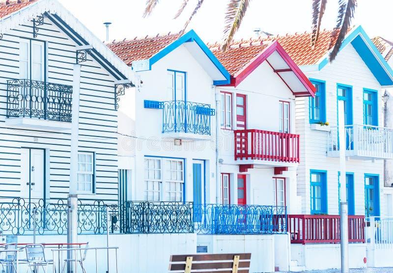 Αβέιρο, Πορτογαλία – 3 Μαΐου 2019: Οδός με τα παραδοσιακά σπίτια ψαράδων στη διάσημη Nova πλευρών, Αβέιρο στοκ φωτογραφία με δικαίωμα ελεύθερης χρήσης