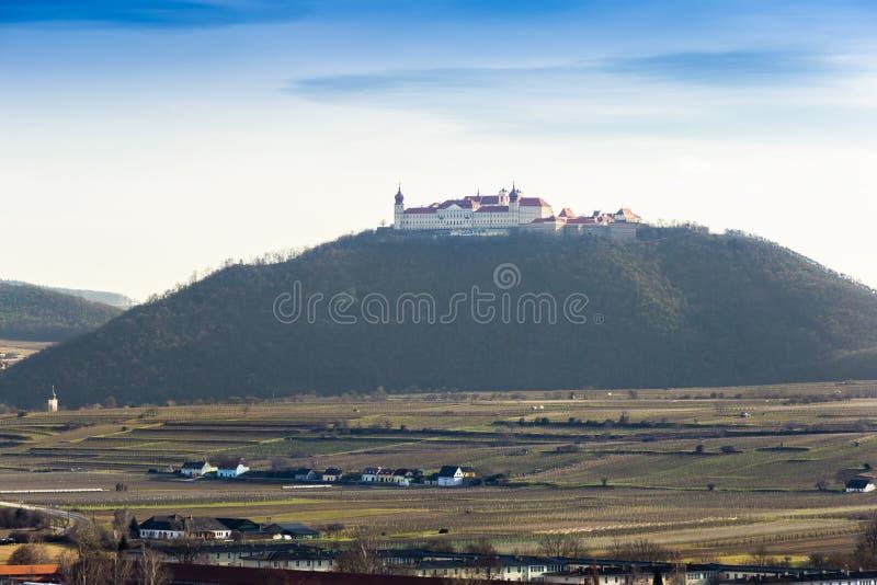 Αβαείο Wachau Goettweig με τον περιβάλλοντα αμπελώνα, Αυστρία στοκ φωτογραφίες με δικαίωμα ελεύθερης χρήσης