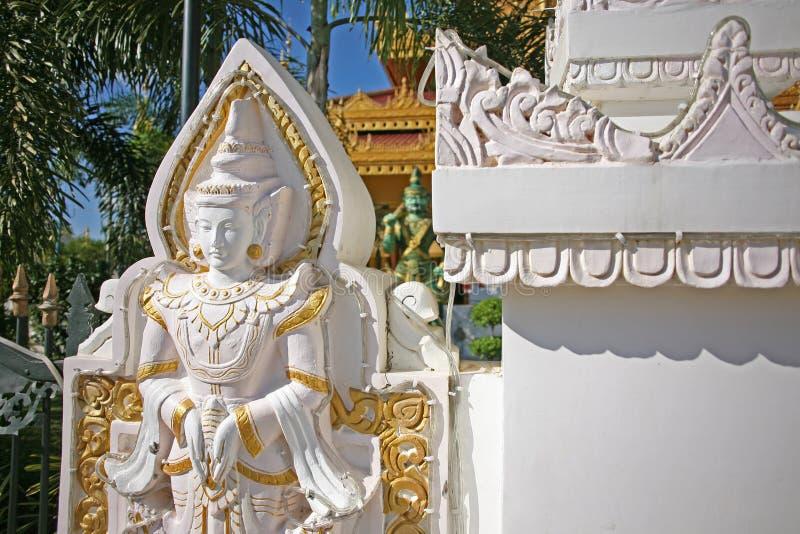 Αγάλματα και εικονογραφία μέσα στις παγόδες και τους ναούς του Mandalay, Βιρμανία στοκ φωτογραφία με δικαίωμα ελεύθερης χρήσης
