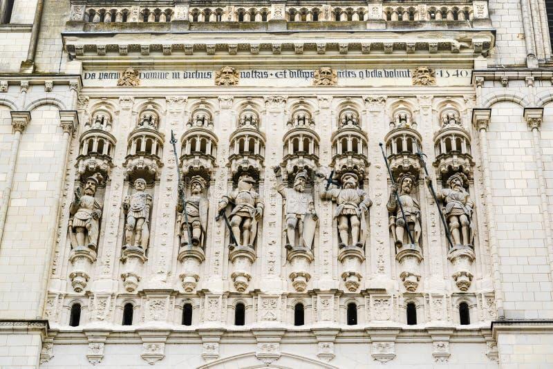 Αγάλματα στην πρόσοψη του καθεδρικού ναού του ST Maurice της Angers, FR στοκ εικόνα με δικαίωμα ελεύθερης χρήσης