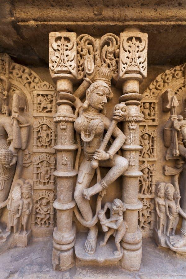 Αγάλματα στο βήμα Rani Ki Vav καλά στοκ εικόνες