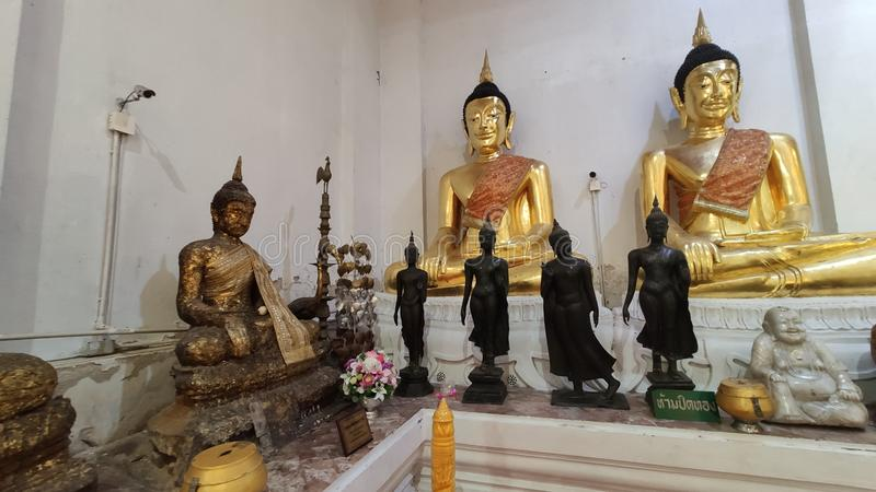 Αγάλματα του Βούδα βρίσκονταν στο μοναστήρι στο Sin Buri THailand στοκ φωτογραφία με δικαίωμα ελεύθερης χρήσης