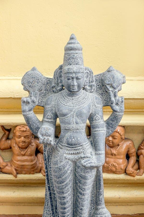 Αγάλματα του Βούδα στο ναό Gangaramaya σε Colombo στοκ εικόνα