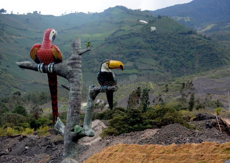Αγάλματα των toucans - Baños στοκ εικόνες με δικαίωμα ελεύθερης χρήσης