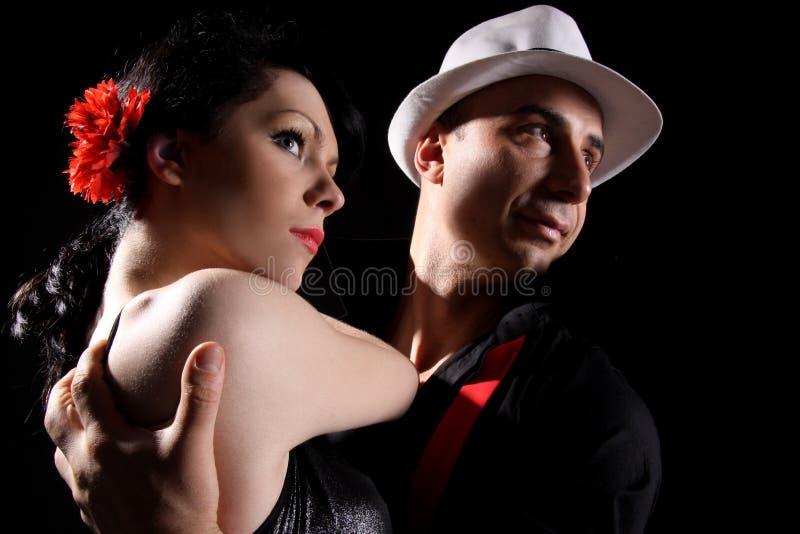 αγάπη αγκαλιάσματος στοκ εικόνες με δικαίωμα ελεύθερης χρήσης