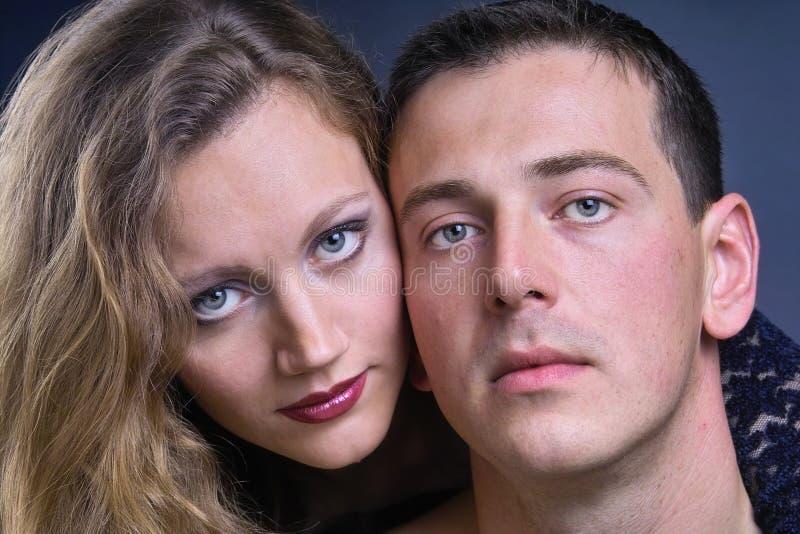 Download αγάπη ζευγών στοκ εικόνα. εικόνα από θηλυκός, χέρι, αρκετά - 390053