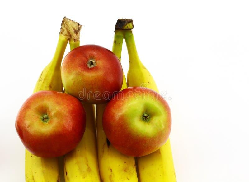 Αγάπη μπανανών της Apple στο άσπρο υπόβαθρο στοκ φωτογραφίες με δικαίωμα ελεύθερης χρήσης