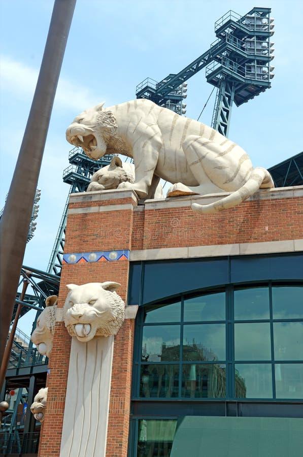 Αγάλματα τιγρών στο πάρκο Comerica στη λεωφόρο Woodward, Ντιτρόιτ Μίτσιγκαν στοκ φωτογραφία