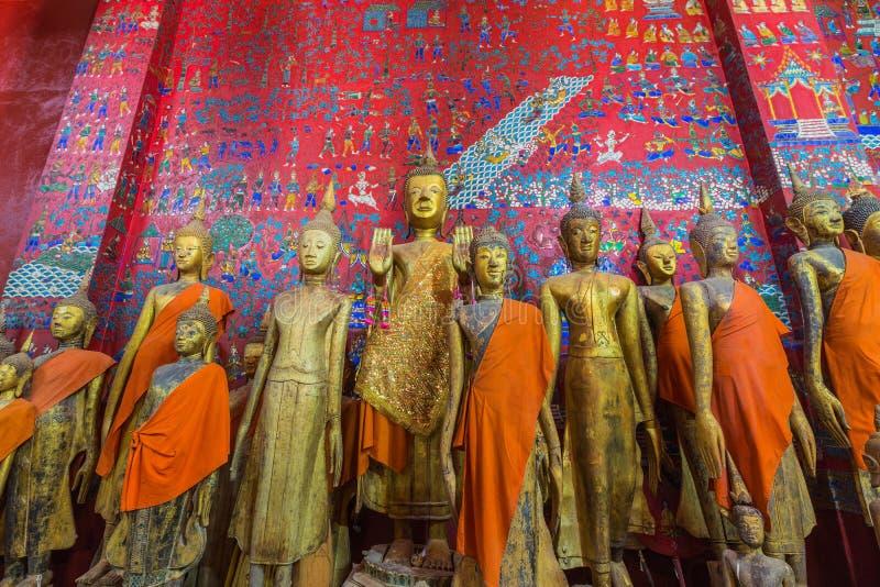 Αγάλματα του Βούδα στο λουρί Wat Xieng σε Luang Prabang στοκ εικόνες
