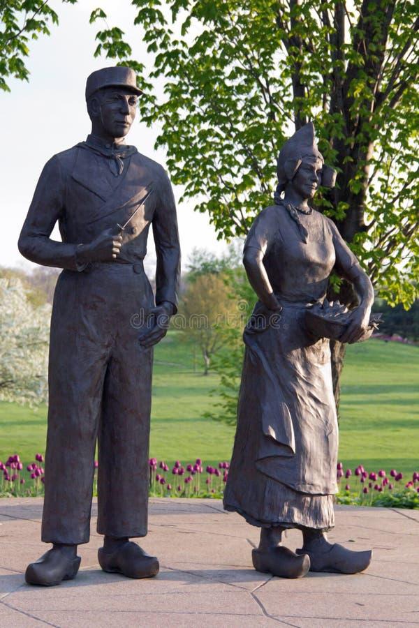 Αγάλματα του ολλανδικού ζεύγους στοκ φωτογραφία με δικαίωμα ελεύθερης χρήσης