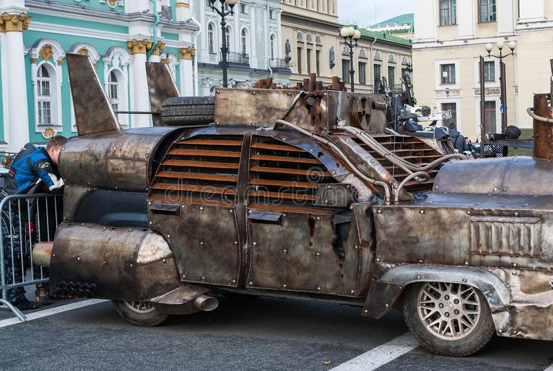 Αγία Πετρούπολη, Ρωσία - 25 Σεπτεμβρίου 2017: Κλείσιμο της εποχής ποδηλατών στη Αγία Πετρούπολη Έκθεση των αυτοκινητικών αυτοκινή στοκ εικόνες με δικαίωμα ελεύθερης χρήσης