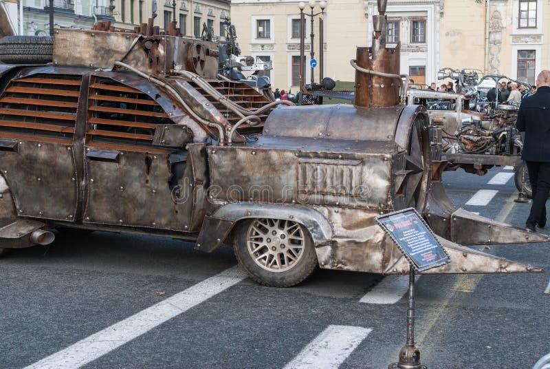 Αγία Πετρούπολη, Ρωσία - 25 Σεπτεμβρίου 2017: Κλείσιμο της εποχής ποδηλατών στη Αγία Πετρούπολη Έκθεση των αυτοκινητικών αυτοκινή στοκ φωτογραφία με δικαίωμα ελεύθερης χρήσης