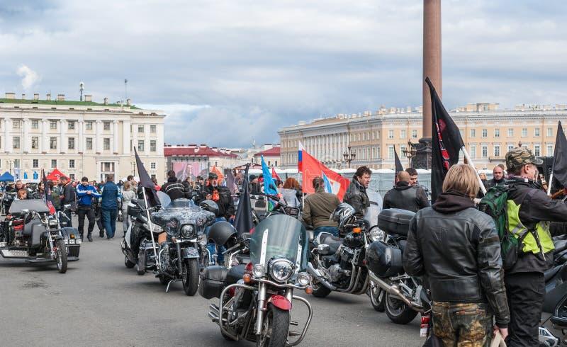 Αγία Πετρούπολη, Ρωσία - 25 Σεπτεμβρίου 2017: Οι ποδηλάτες προετοιμάζονται για την παρέλαση προς τιμή το κλείσιμο της εποχής στοκ φωτογραφίες
