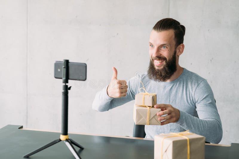 Αγαθά smartphone τύπων σπουδών διοίκησης επιχειρήσεων πωλήσεων στοκ φωτογραφία