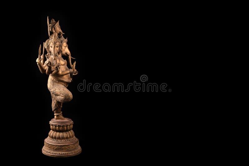 Αγαλμάτων ganesha Λόρδου στο μαύρο υπόβαθρο στοκ φωτογραφία