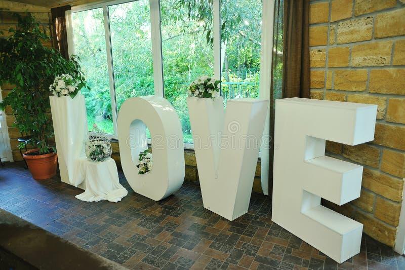 ΑΓΑΠΗ λέξεων γαμήλιων ντεκόρ στοκ εικόνες με δικαίωμα ελεύθερης χρήσης