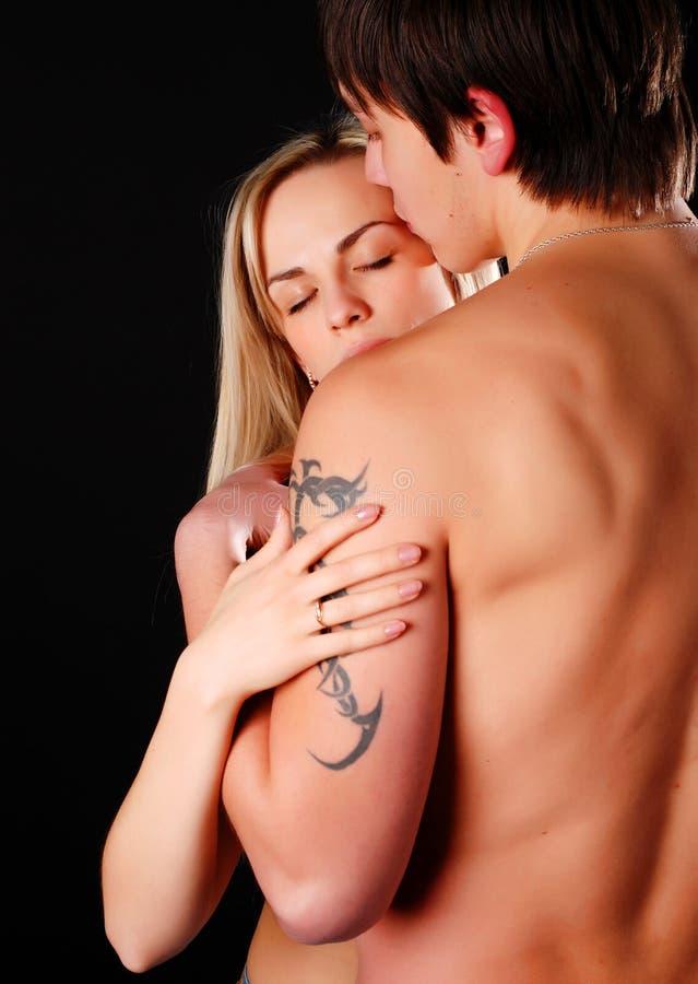 αγαπώντας νεολαίες ζε&upsilon στοκ εικόνα με δικαίωμα ελεύθερης χρήσης