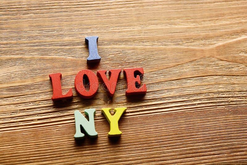 Αγαπώ τις επιστολές της Νέας Υόρκης στο ξύλο στοκ φωτογραφίες με δικαίωμα ελεύθερης χρήσης