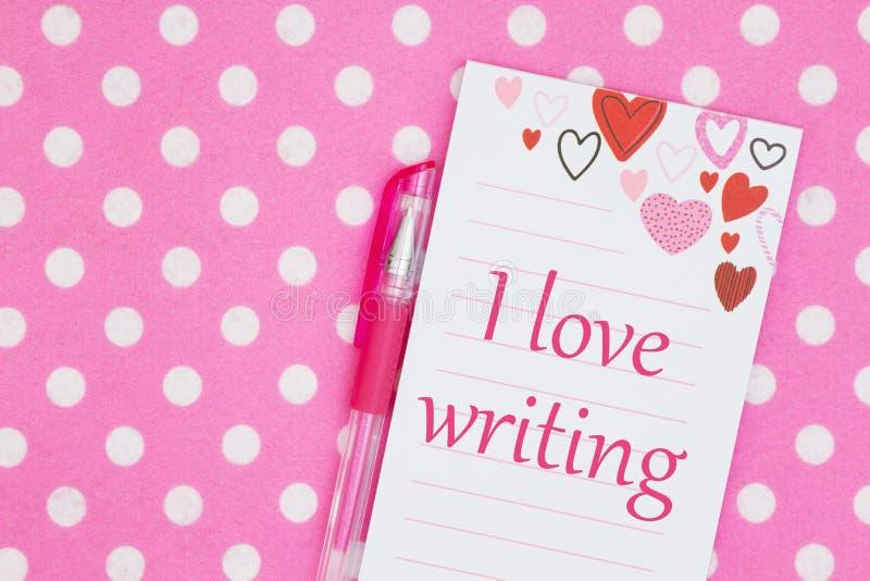 Αγαπώ το μήνυμα στο σημειωματάριο καρδιών με τη μάνδρα στοκ εικόνες με δικαίωμα ελεύθερης χρήσης