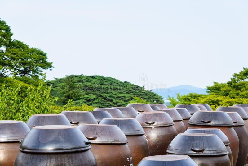 Αγγεία του ακατέργαστου κρασιού ρυζιού (Makgeolli) στοκ φωτογραφίες με δικαίωμα ελεύθερης χρήσης