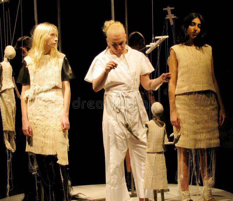 Αγγλική επίδειξη μόδας της Phoebe, Λονδίνο, Αγγλία στοκ εικόνες με δικαίωμα ελεύθερης χρήσης