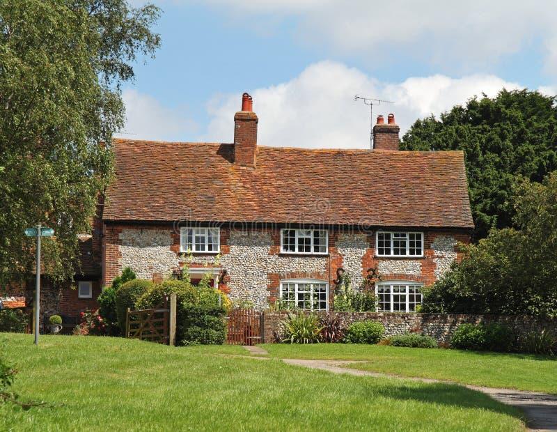 αγγλικός αγροτικός παραδοσιακός εξοχικών σπιτιών στοκ εικόνα με δικαίωμα ελεύθερης χρήσης