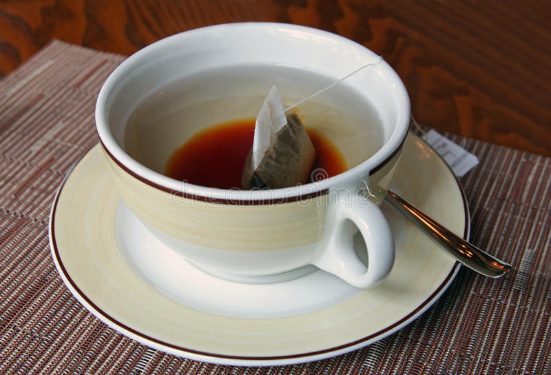 αγγλικό τσάι φλυτζανιών πρ& στοκ φωτογραφίες